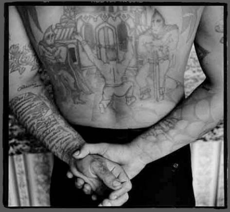 Auxochrome chromophore for Mexican prison tattoos